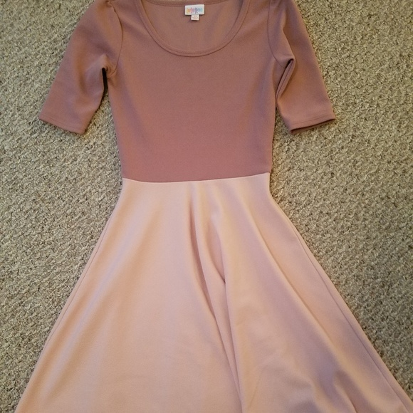 LuLaRoe Dresses & Skirts - Lularoe Nicole dress